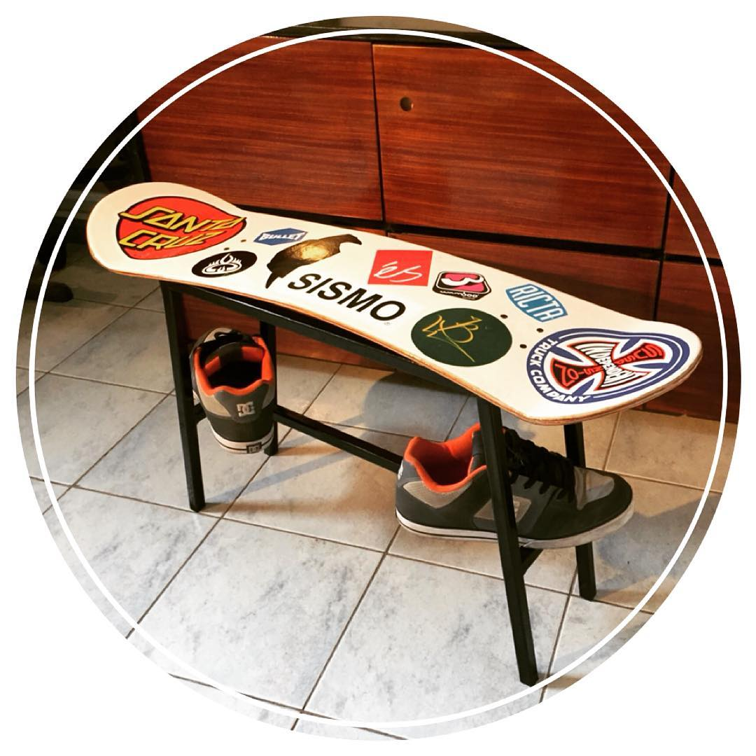 Cortesía de @virutaobjetos una hermosura!! Mountainboard reciclada... #Maple, #Watambu y #Fibra @ravenskateboarding @sismo  #Mountainboard #Recycled #mountain #boarding #camaronbrujo #santacruz #board #ricta #bullet #chair #decor #fun #trend...