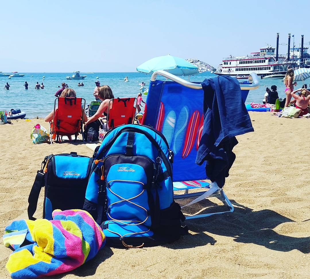 It's hot in Tahoe. Great day to be on the beach and utilize the Cascade backpack and cooler! #whatsyour20 #getoutside #laketahoe #xplorewild #tahoesouth #renotahoe #tahoesnaps #beach #backpacks #coolers #graniterocx #outdoorsrocx