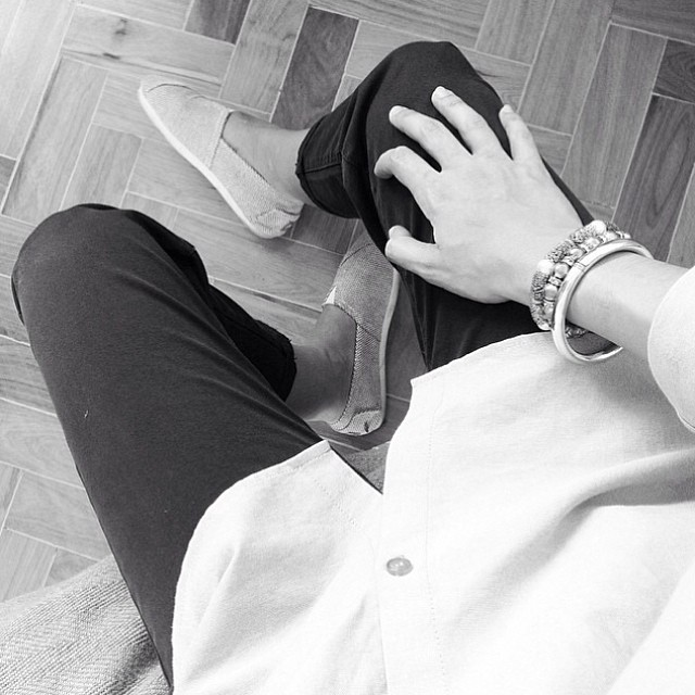 Black & White Mood of Monday. Ph by @marianasbranco #ootd #paezportugal #paezshoes