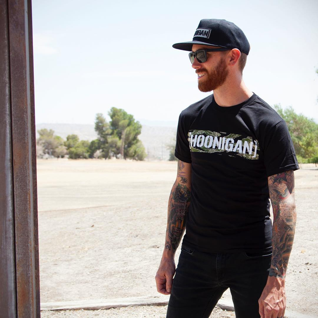 @chrisforsberg64 |  Tiger Camo tee / C-Bar snap. [HOONIGAN.com]  ______ Link in bio