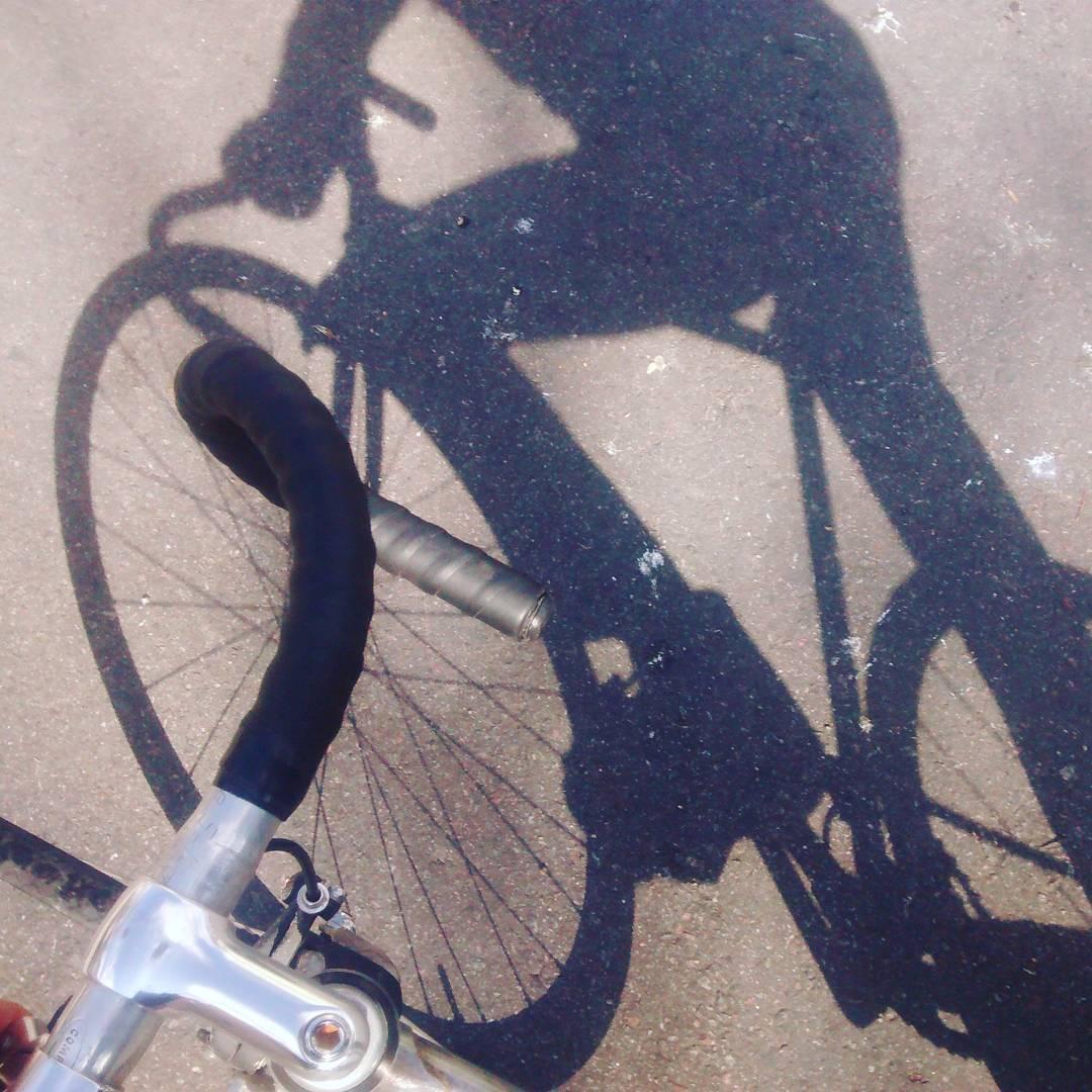 Hay sombra. ¡Hay sol! #buenosaires #ciclistasurbanos