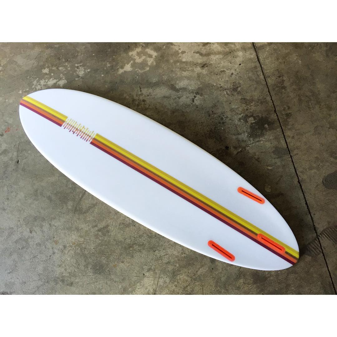 PCH , custom stripe graphic. 5'8 / EPS / Epoxy glassing by @pureglassinc #awesome #awesomesurfboards #PCH @boardporn