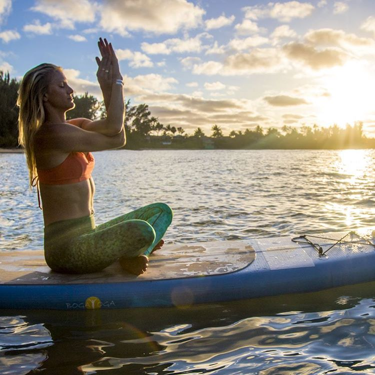 SUMMER SUP Check out this awesome post-SUP yoga sequence on @yogajournal by @gilliangibree of @paddlefitness @bogayoga