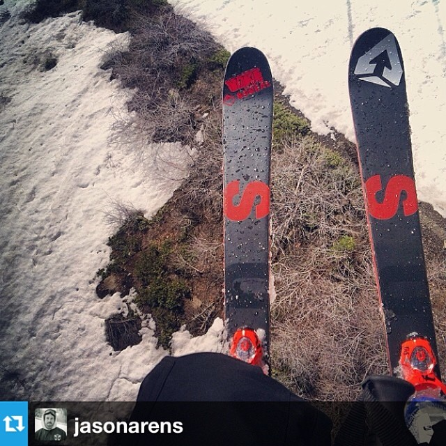 #Repost from @jasonarens, stoked to have him in @roxaboots! #freesoul10 --- Thin coverage | #alpinemeadows @surfaceskis #surfaceskis #lab002 @thereallizkhalifa @rynmartn @roxaboots #goodenoughbgk #freenoah @goodenoughbgk