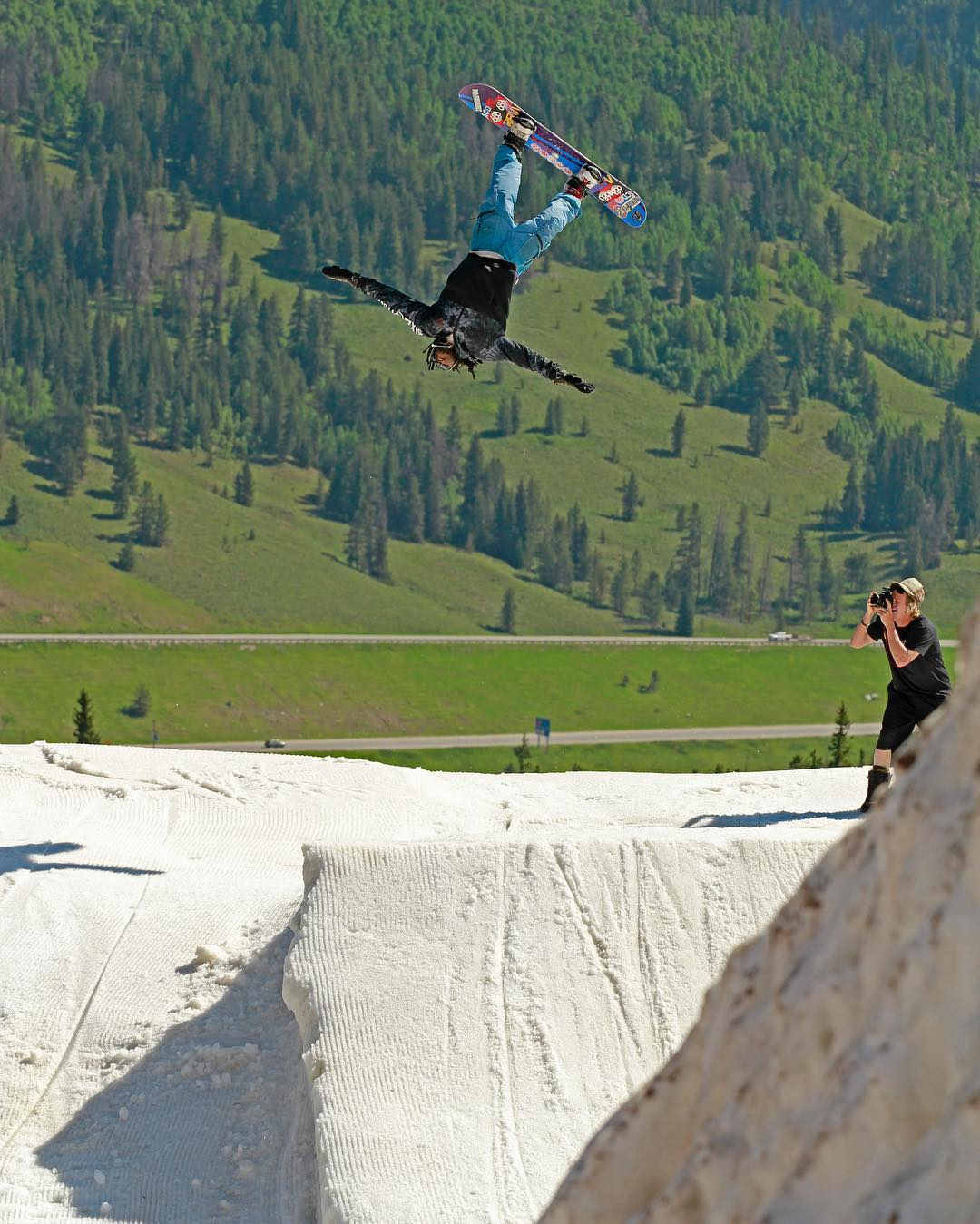 Flux rider, Stephon Deifer @duh_homie_sterph has been flipping out this summer snowboarding as much as he can. This shot is from Woodward Copper ‪#‎flux‬ ‪#‎fluxbindings‬ ‪#‎snowboard‬ ‪#‎snowboarding‬ ❄️