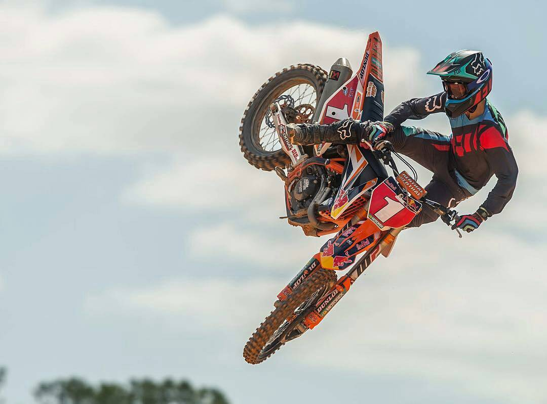 #FOXMX17 @RYANDUNGEY IN THE #FLEXAIR SECA GEAR. #FOXRACING #LIVEFORIT #FoxHeadArgentina @foxheadinc