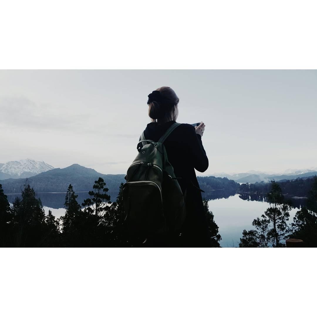 Donde las montañas se mezclan con la nada y eso es todo / Mochila Granada verde desde la Patagonia  www.mambomambo.com.ar  #goexplore #itisbetteroutside #sur #patagonia #argentina #explore #backpack