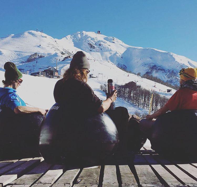 Chillin' en @cerro_bayo #MejorBurton #ExploraAnon