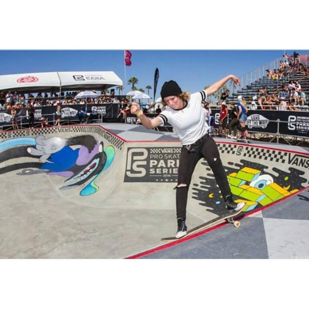 @maddiekillins out there killing it at @vansparkseries !! Lil front smithers for you guys to enjoy!