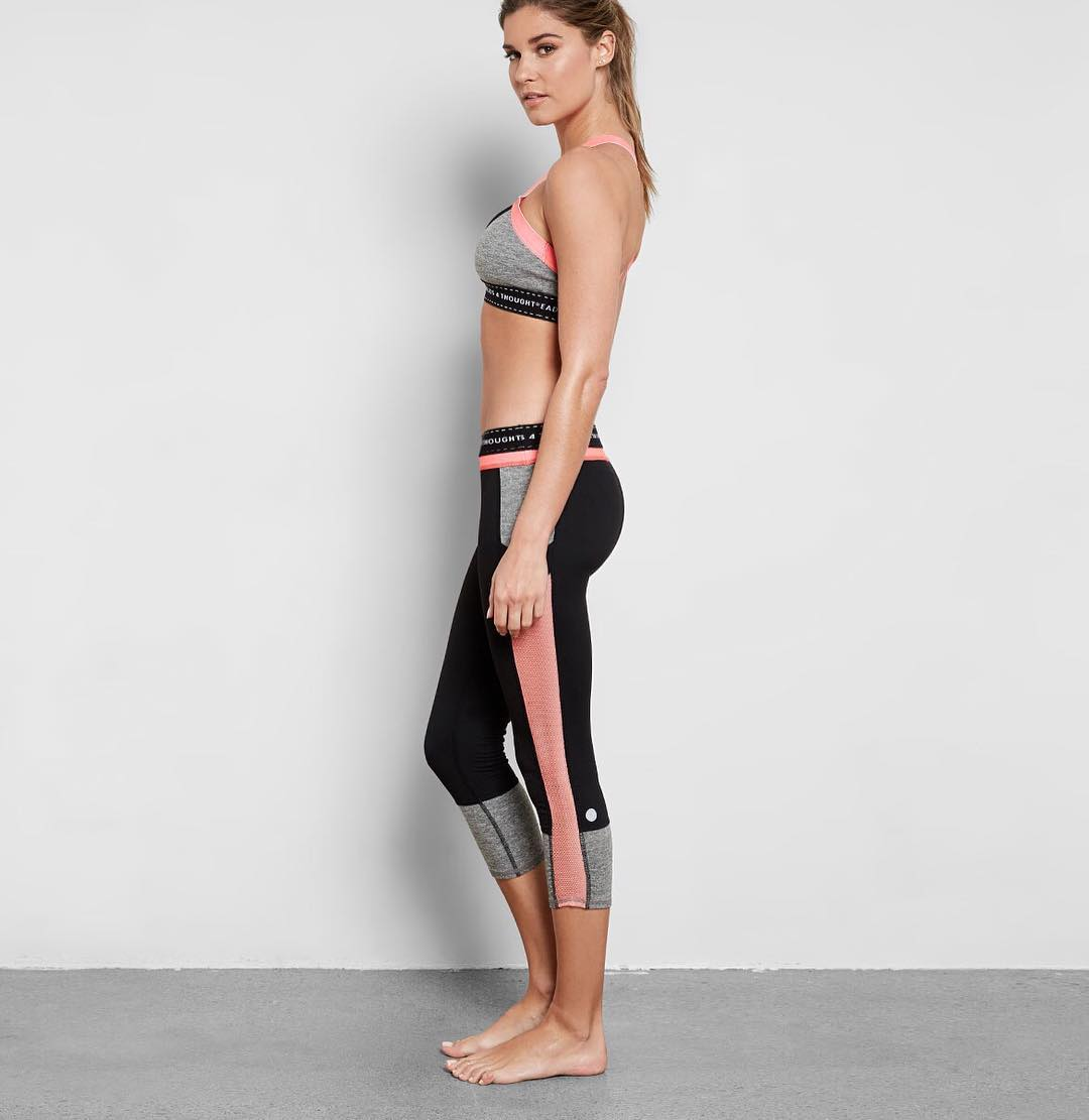 Workout Wednesday!  Featuring our bestselling Kaiya Cropped Legging #humpday #recycledpolyester #livesustainably