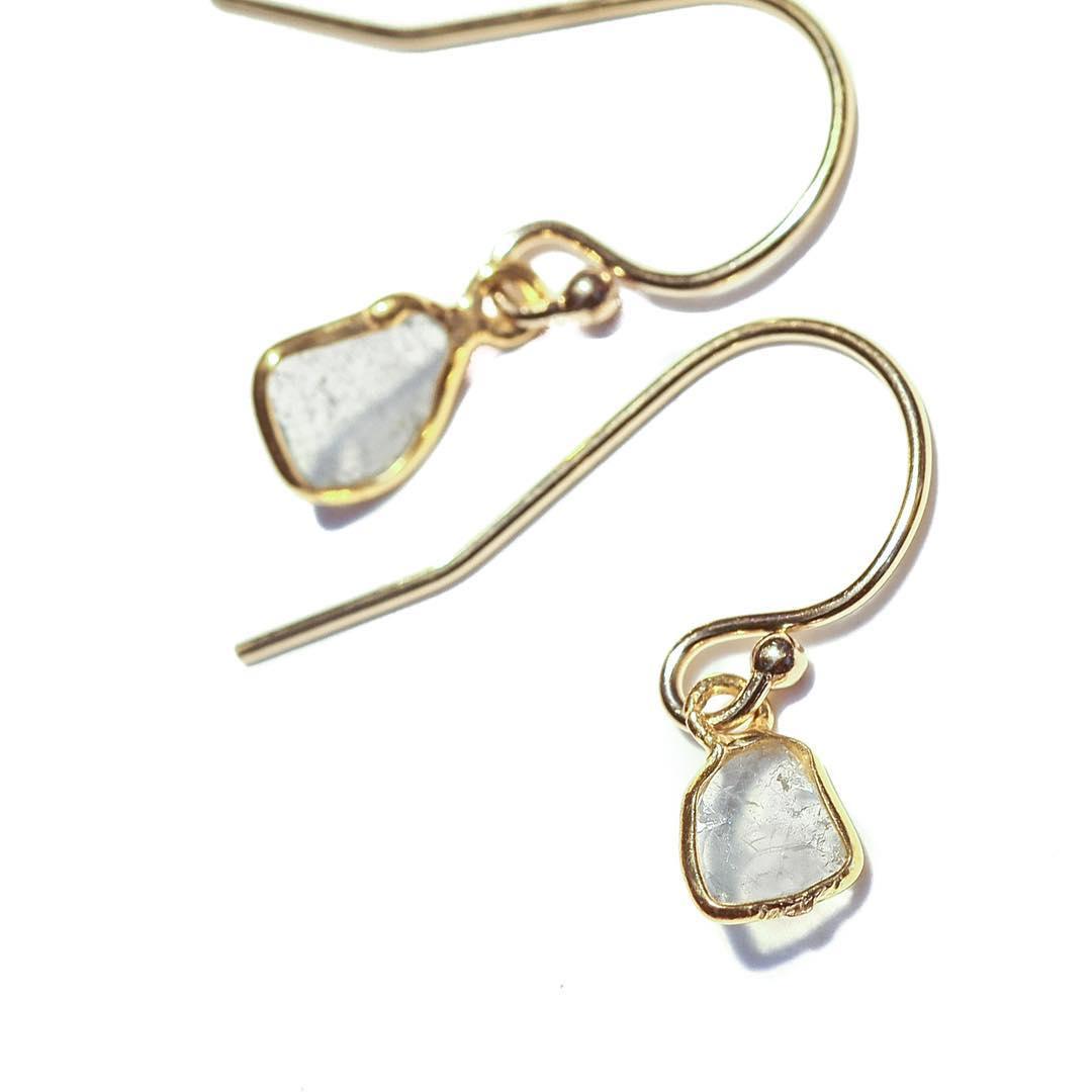White Diamond Slice Earrings. Online now. Link in profile.  #diamondslice #diamonds #white #summer #elizabethtaylor