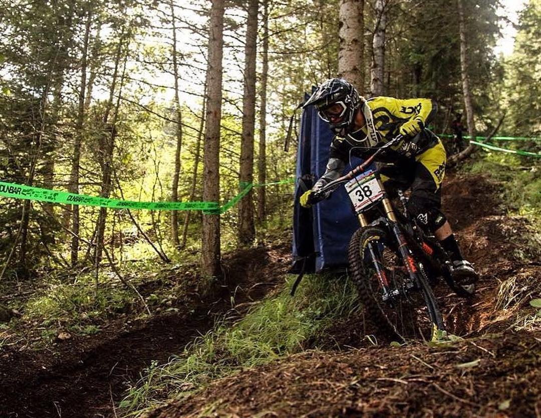 @forrestriescodh getting some practice in before this weekends @uci_downhill race at @montsainteanne ||