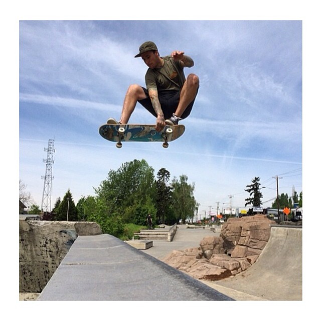 Crew member Jake Flanagan sending it in the Disidual camp cap and flies tee! Happy Friday! www.disidual.com #disidual #skate #shredding #swag @jakeflanagan666