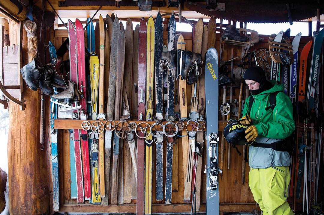 DPS Koala, Piers Solomon, preps for the day with his Wailer 112RPC's amidst a skinny, historical backdrop - in Gressoney, Italy. Photo: @oskar_enander