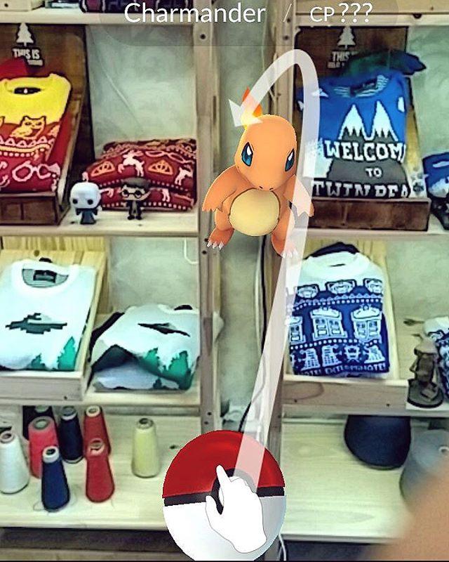 Vení al showroom, no tenemos sólo sweaters! #PokemonGo Costa Rica 5954 jue a sáb 16 a 20hs