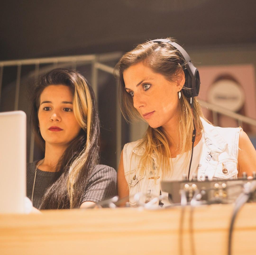 #AboutLastWeeek  Concentración musical con @kelln.polska #undiacualquiera en nuestra Flagship Store Barcelona