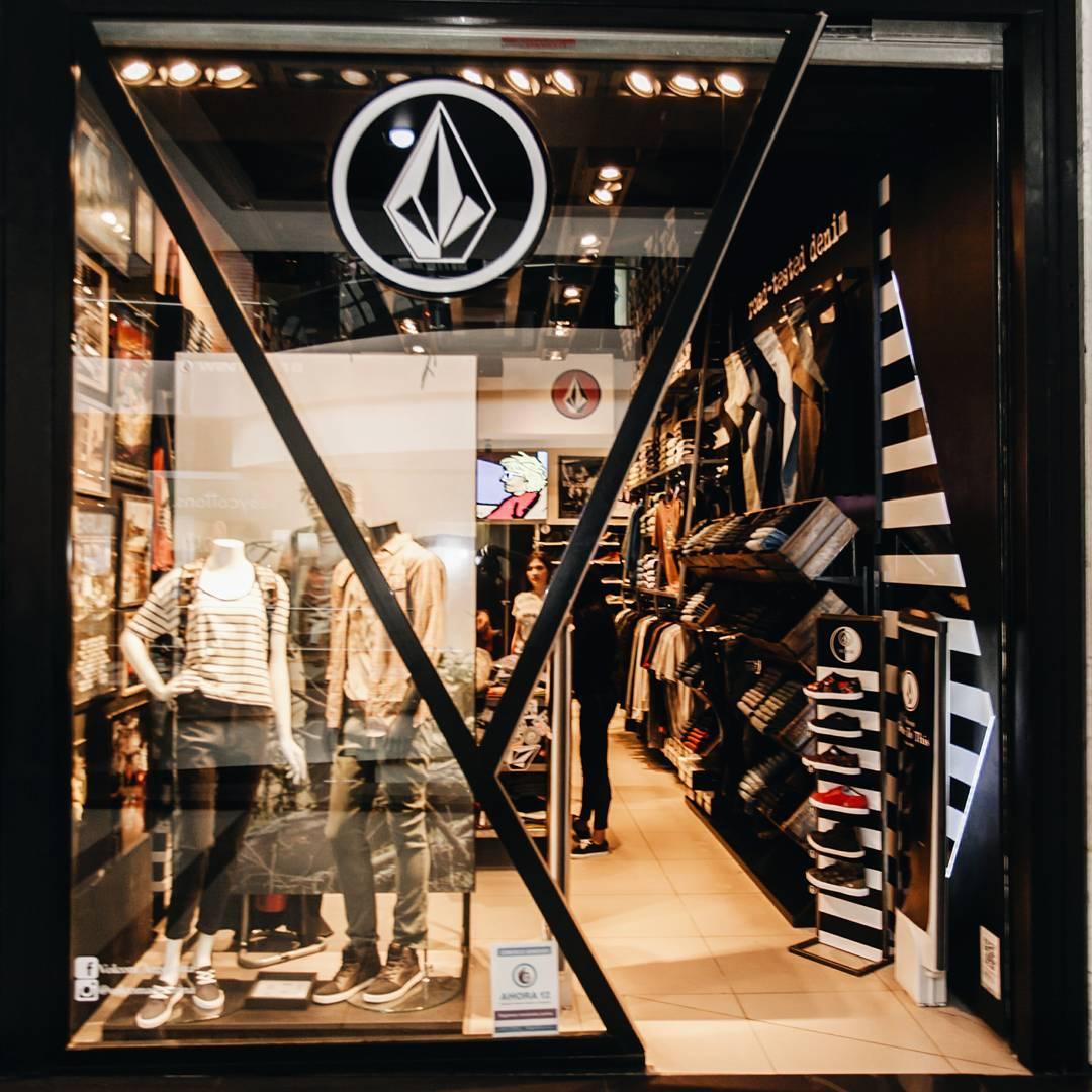 Alto Palermo Shopping #volcomstores  te esperamos con liquidaciones increíbles!!! #Sale #Aw16