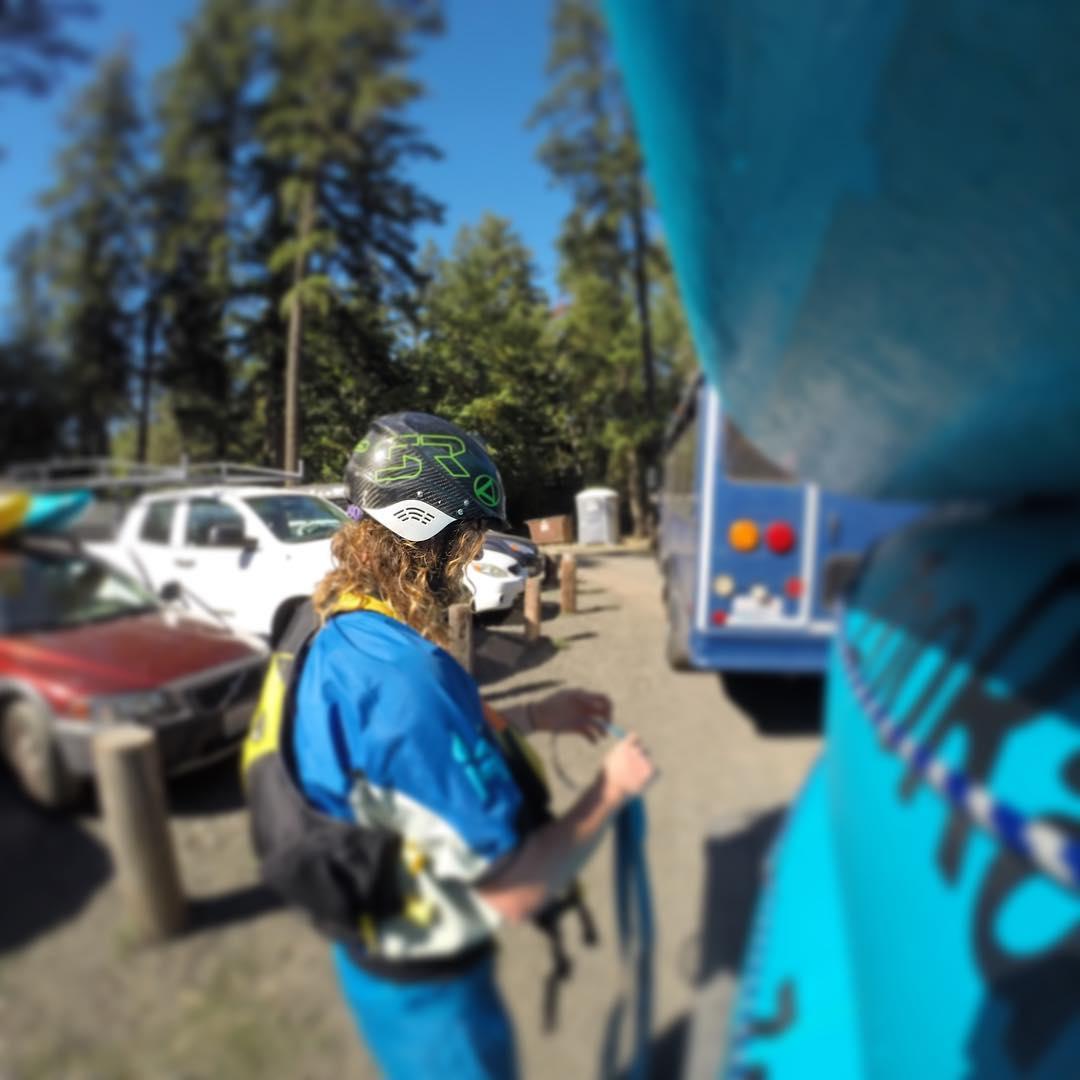 Jake tying it down. Getting ready for a rip down the White Salmon. #cuzrockshurt #shredready