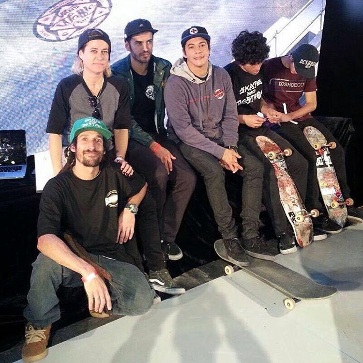 Jurados, organizacion, Daro y Maurito #vanswafflecup2016 #vansargentina #shineskateboarding
