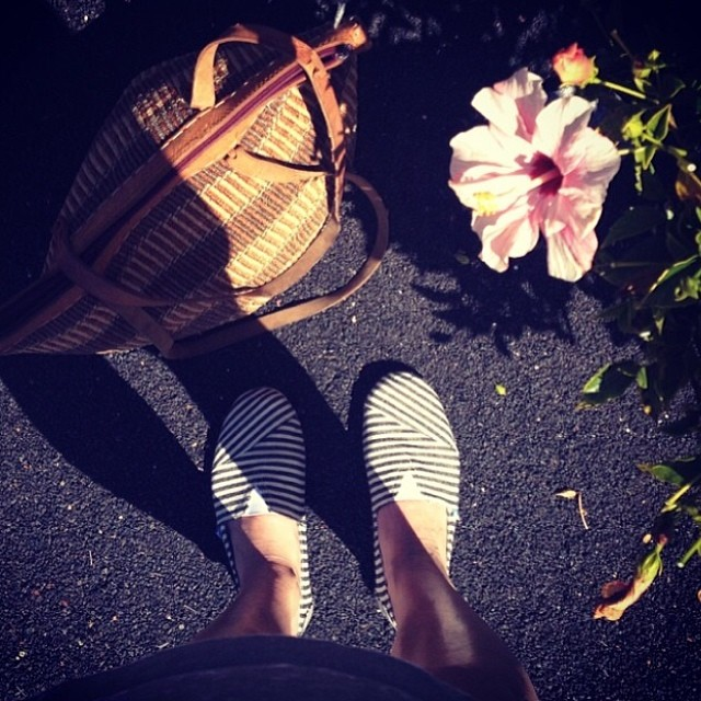 Live the Spring outside with Paez. Ph & #ootd by @hemmahososs #paezshoes
