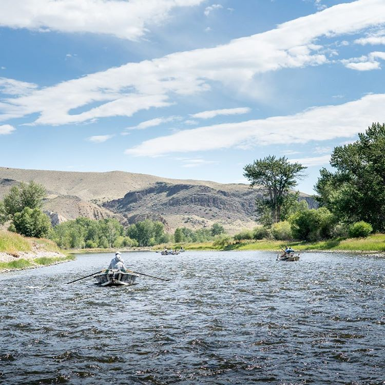 Take this SundayFunday to the next level, watch five #highfivesathletes and the #highfivesfounder float and fish the rivers of Montana (link to the video in our bio)
