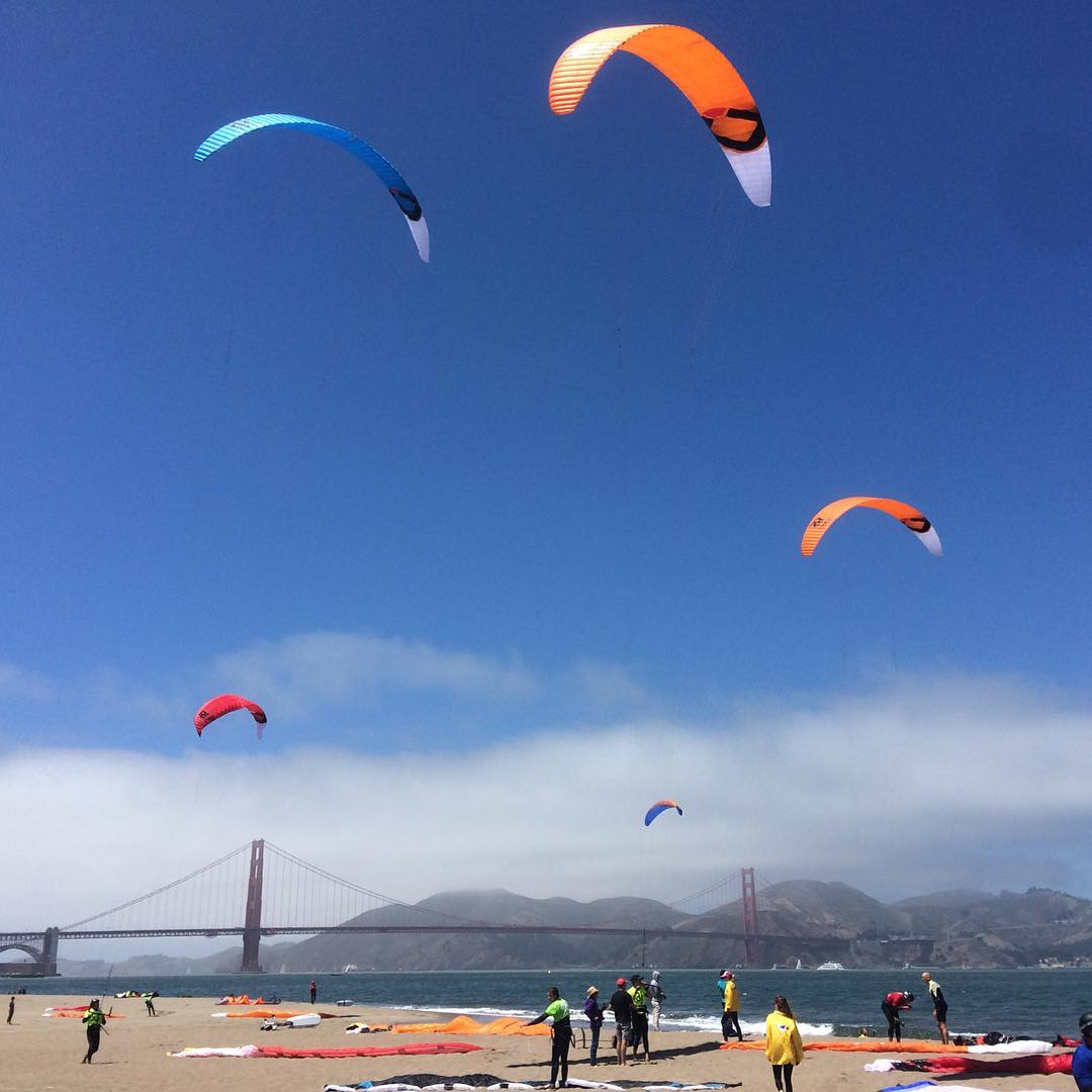 Cheering for @nicolandauer at the @hydrofoilprotour // Great to see the bay with all these kites in the sky. Someday they will be #mafiabags