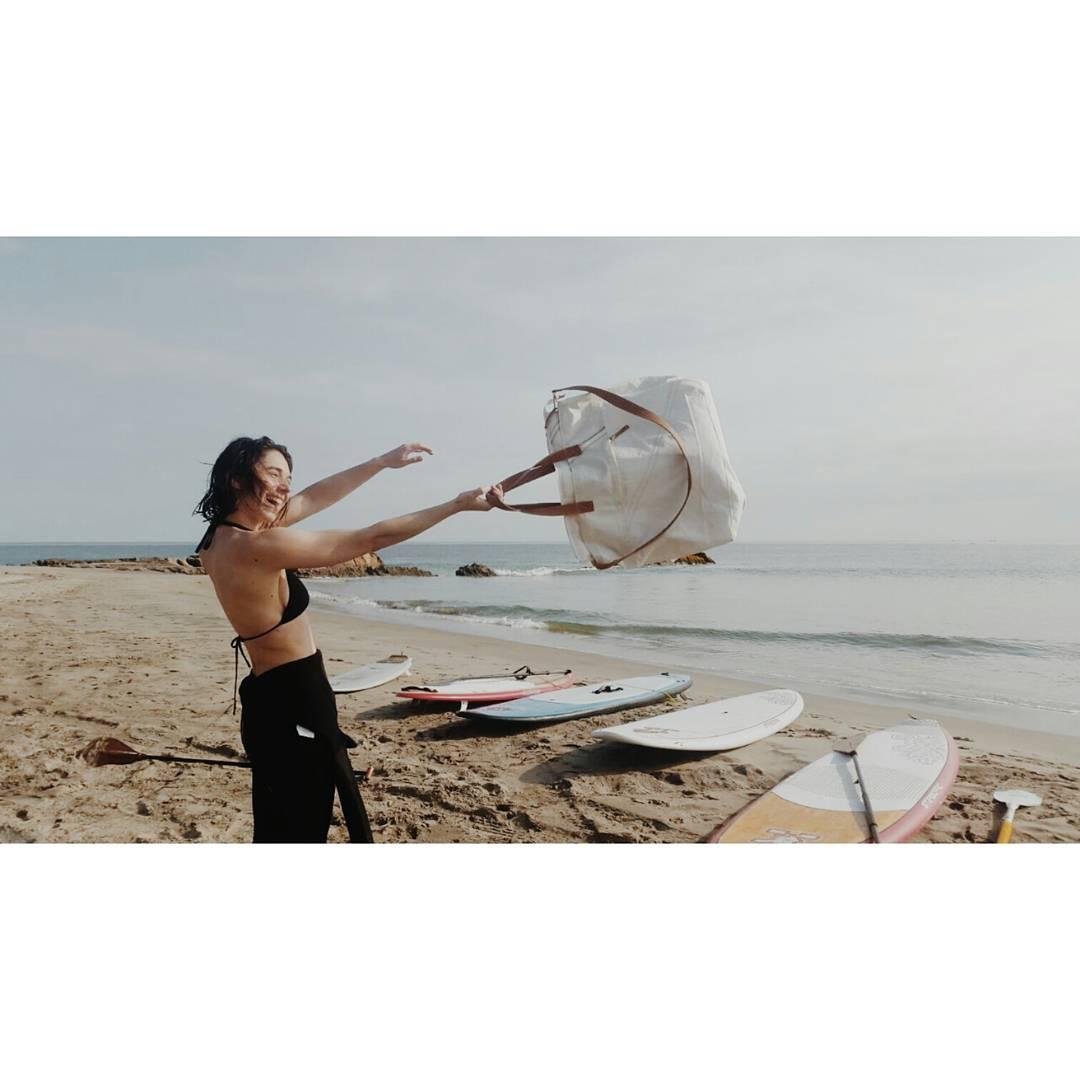 La vida en el mar / Desde Perú nuestro bolso Dacron XL hecho con velas de barco reutilizadas  www.mambomambo.com.ar  #mar #surfing #peru #vidademar #bolso #velas #sailing #buenavida #surftrip