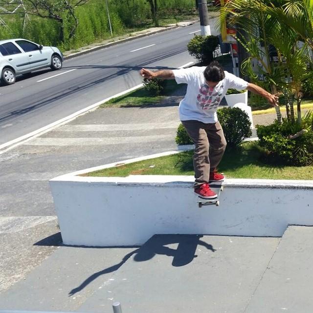 "@rodrigoleal ""Maizena"" - Bs tailslide flip bigspin out Alphaville São Paulo. Foto: Thomas Losada. #qix #qixskate #skate #skateboardminhavida"