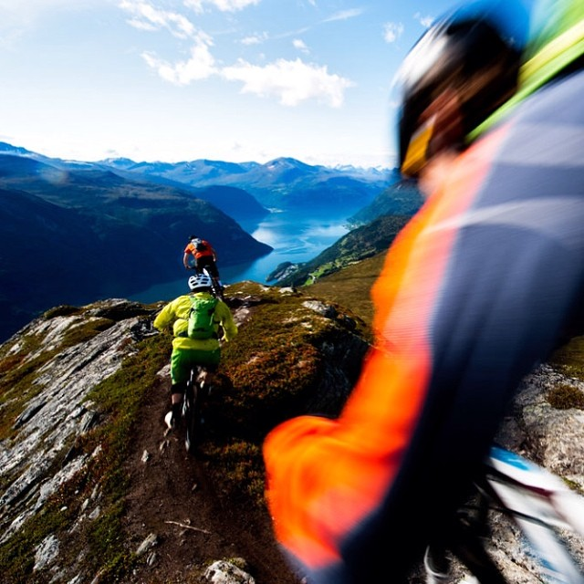 Head for the hills. #bike #norway #trails