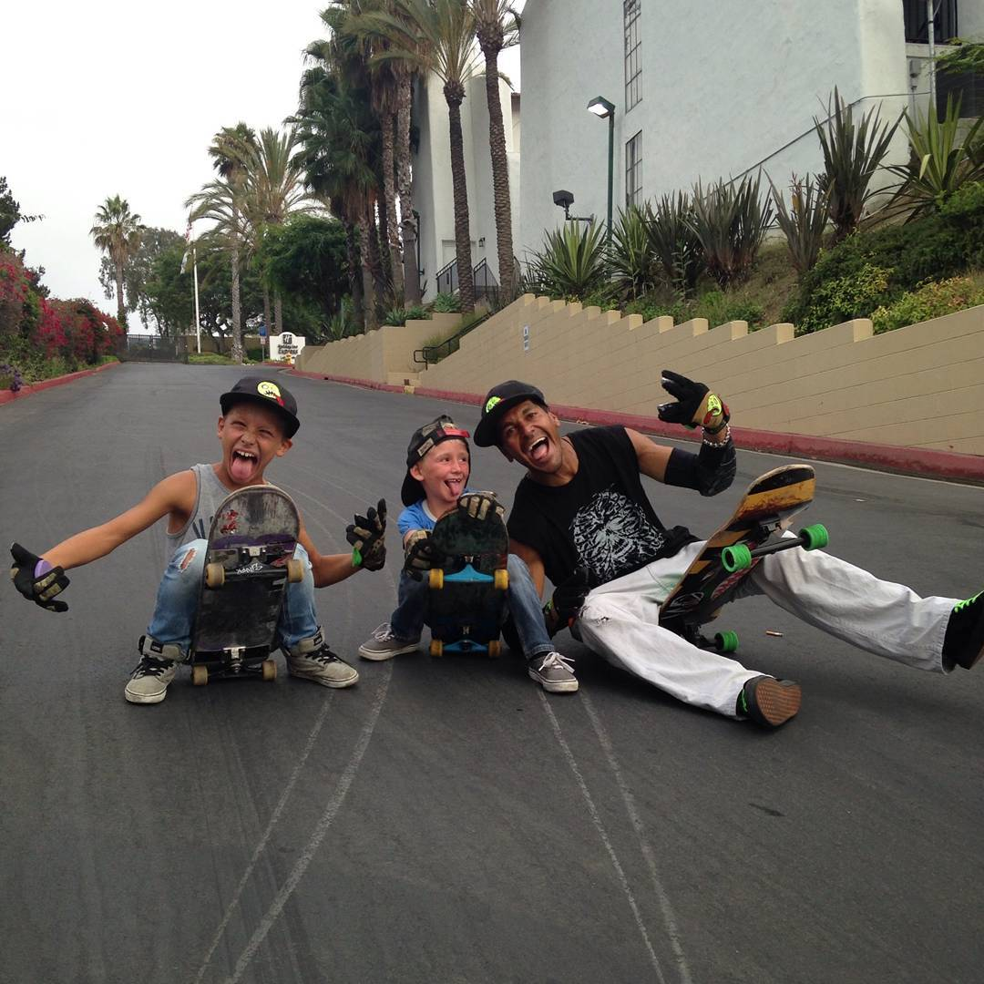 Groms gone wild: here we have homie Gromulo and his two thug sidekicks at a local run laying thane like its their job