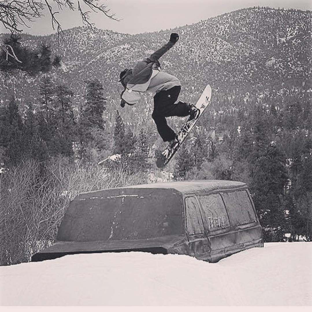#Repost @_justinmulford ・・・ Would do anything to go #shifty this van @bear_mountain RN