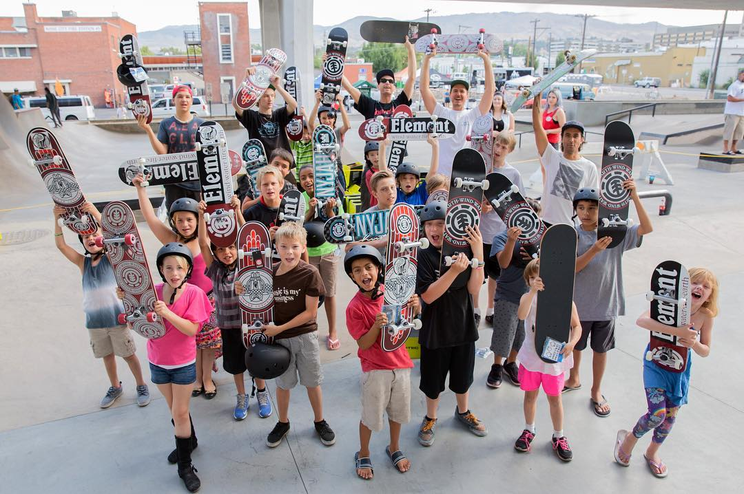 Very hyped to help spread positivity through skateboarding in the city of Boise! We teamed up with @elementalawareness and the #RescueMission to give away 25 completes and a skate clinic with @7im7im to deserving children. #elementalawareness...