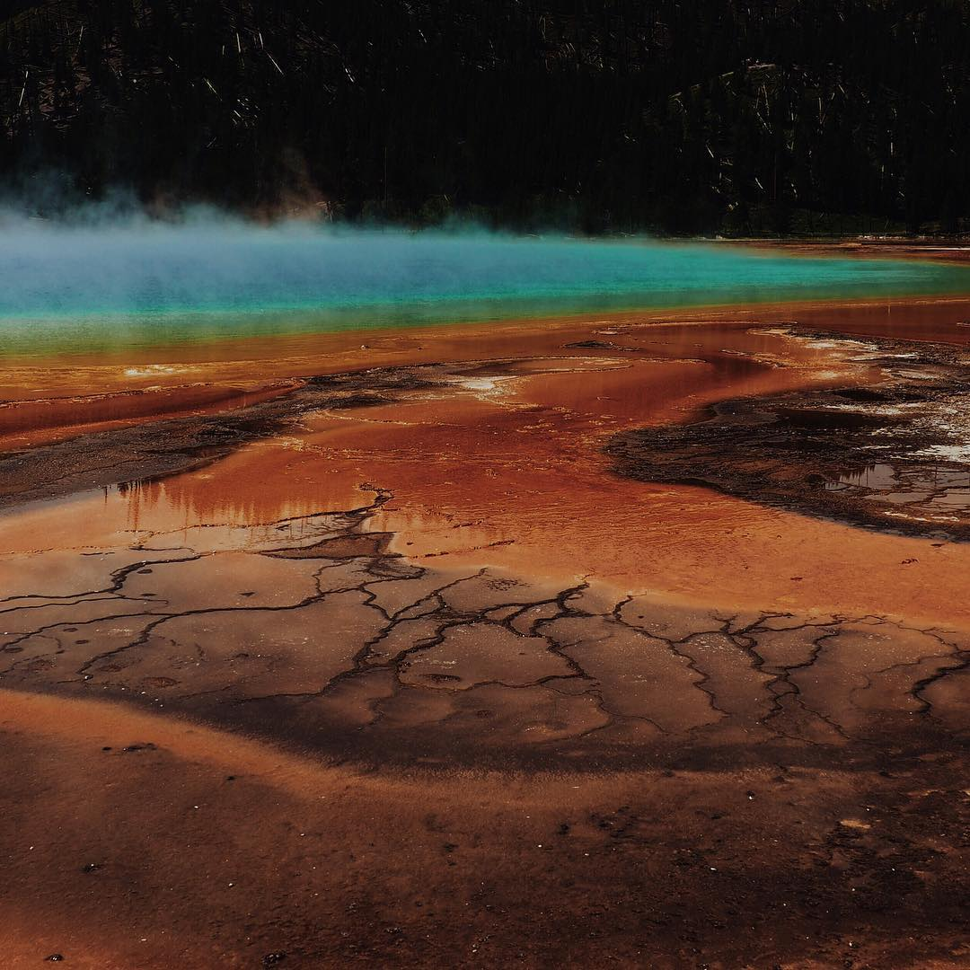 "RADPARKS TAKEOVER  w/ @maisymoon -> Grand Prismatic Spring, Yellowstone National Park, 2015. ""Yellowstone must be one of the most magical places on earth, and rightfully deserves the title as one of the most visited national parks of all time. Walking..."