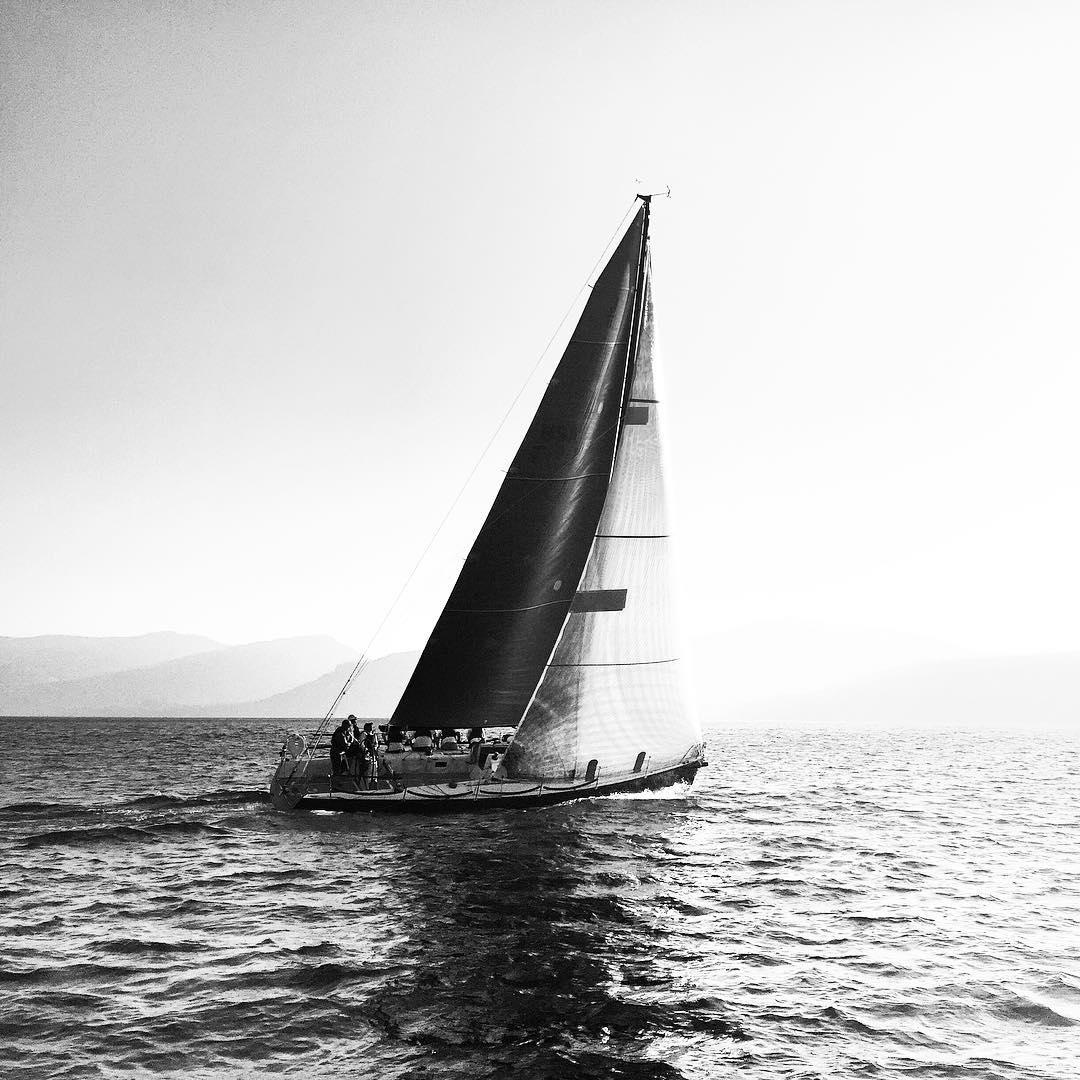 Unfailing, smooth sailing tonight. _ #thisistahoe