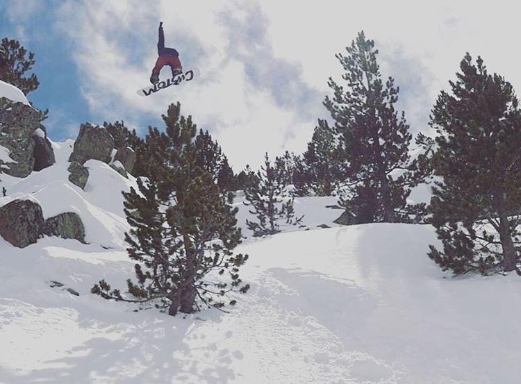 Mati Radaelli volando por Andorra