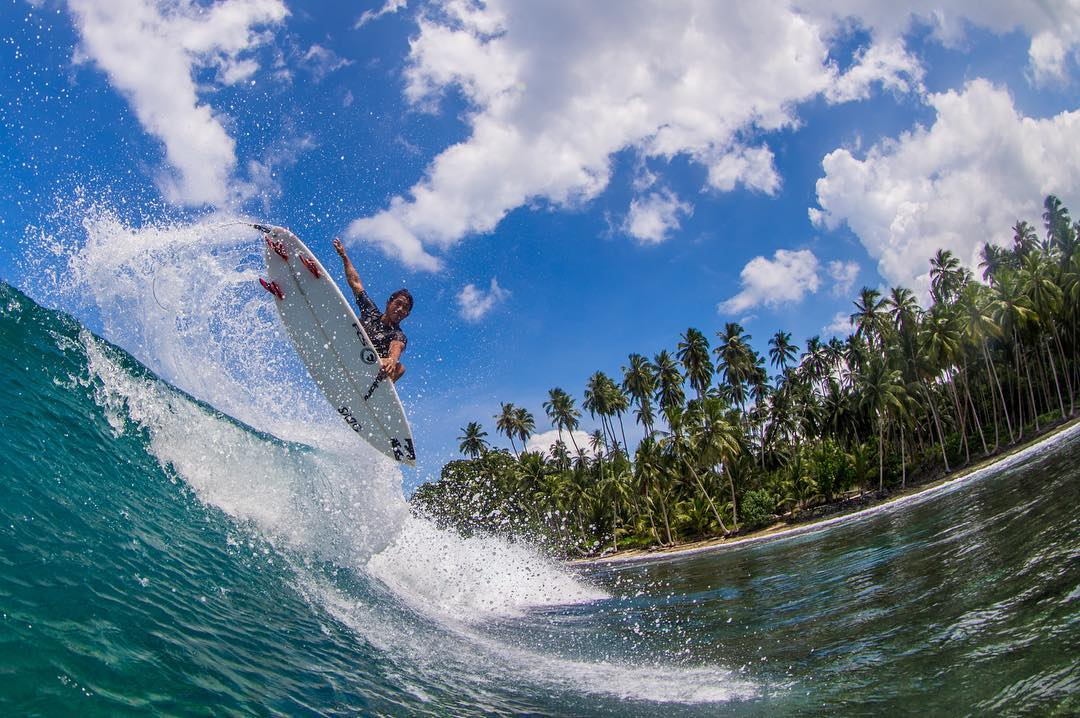 @sethmoniz with the air. #dragonsurf #h2ofloatable
