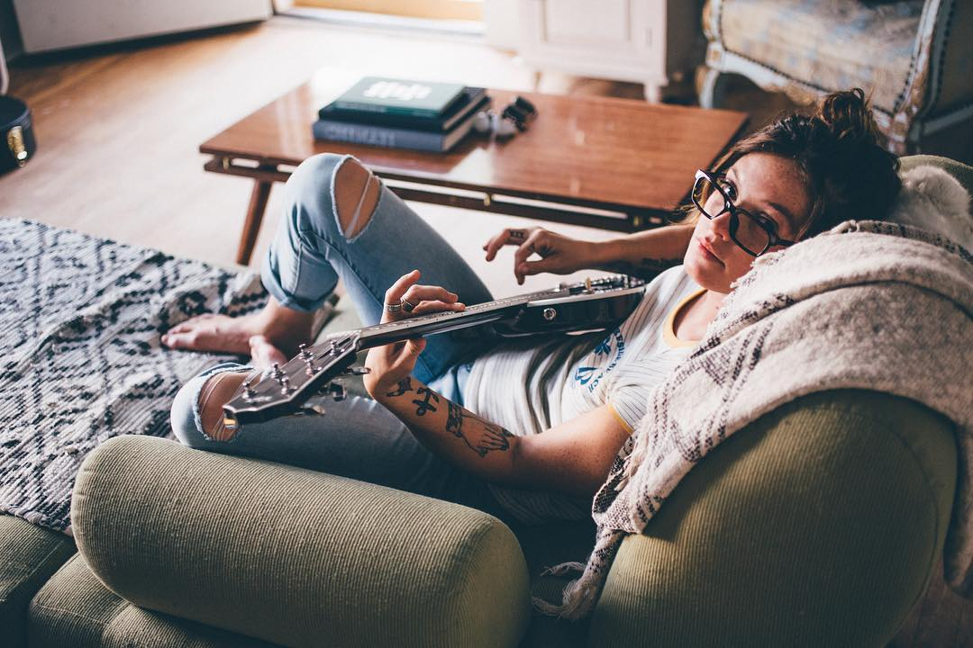 Lazy afternoons with @lindsayperry wearing the Abel frames. . . RX frames available in regular and sunglasses, tap the link in the bio to shop! #SEEHAPPY