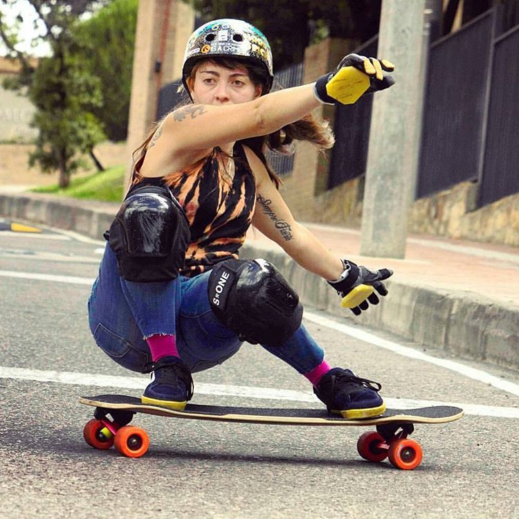 Oh you gotta love that fiery Friday feeling of seeing one of your home-girls get back on a skateboard after breaking her femur!  Welcome back to the land of the shred @chelagiraldo!!! Photo: @baddecisionsalex  #LoadedBoards #Orangatang #Tesseract...
