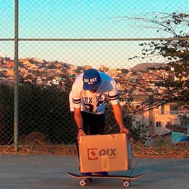 Chegou a cota da QIX para deixar a sessão mais style! @picomano #qix #qixskate #skateboardminhavida