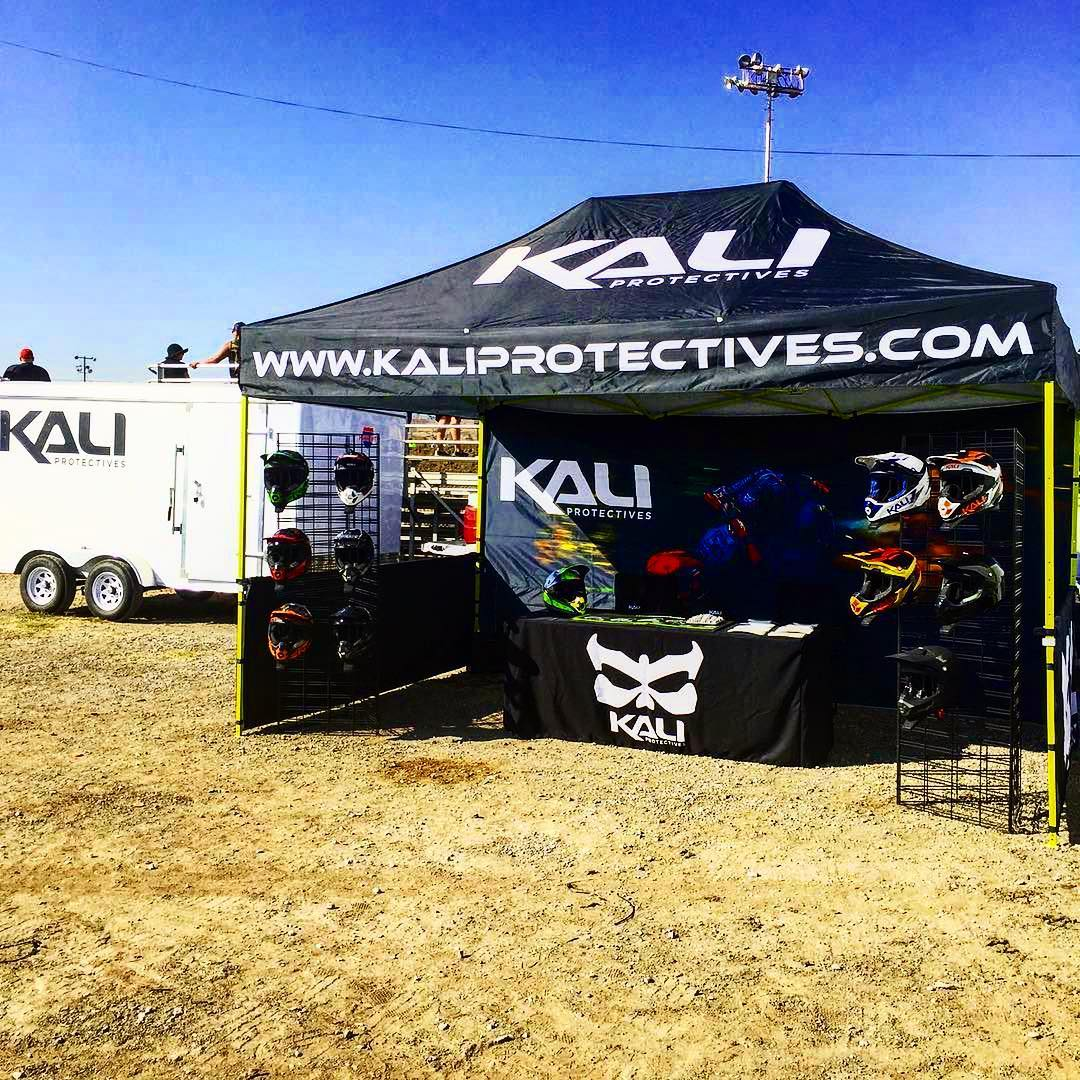 #Repost @kali_motorsports ・・・ Out here at 408MX today for the last stop on the Summer Series before the finals next weekend @clubmoto_argyllmx make sure to stop by and see us. #kalimotorsports #kaliprotectives #compositefusion #motorcyclehelmets...