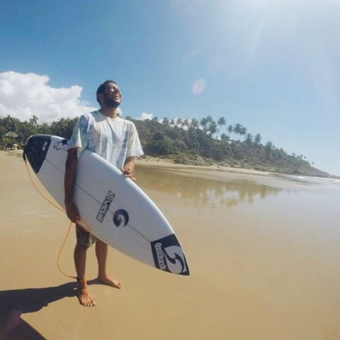 DISFRUTAR. @nicolascarvalhoo #surf #vicusba