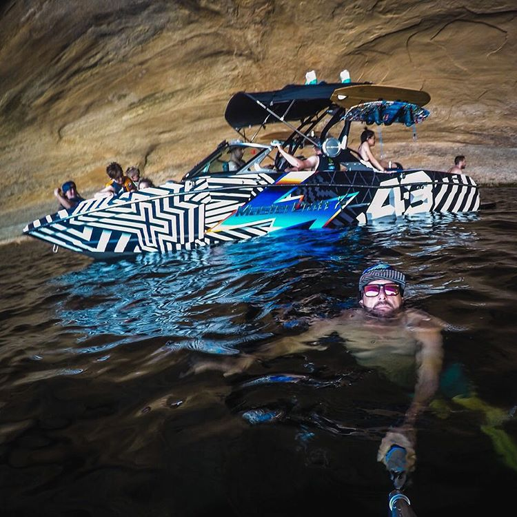 Chill time on Lake Powell sometimes involves large overhangs of rock and exotically wrapped high horsepower V8 boats. I like. Shot with my @GoPro #Hero4. #LakePowell @TheHoonigans #HooniganRacingbyFelipePantone #Mastercraft2016