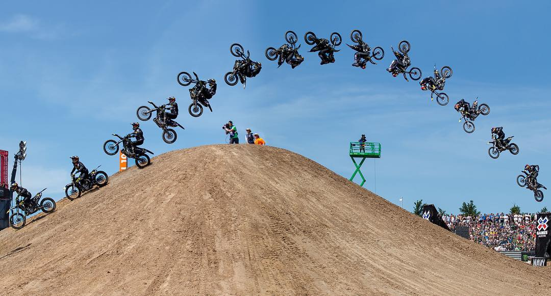 @JackoStrong stomped this flawless frontflip en route to earning #XGames Moto X Best Trick gold just hours after being airlifted to the hospital.  A behind-the-scenes look at his legendary afternoon is coming up at 4:30 pm ET/3:30 pm PT on ABC! (