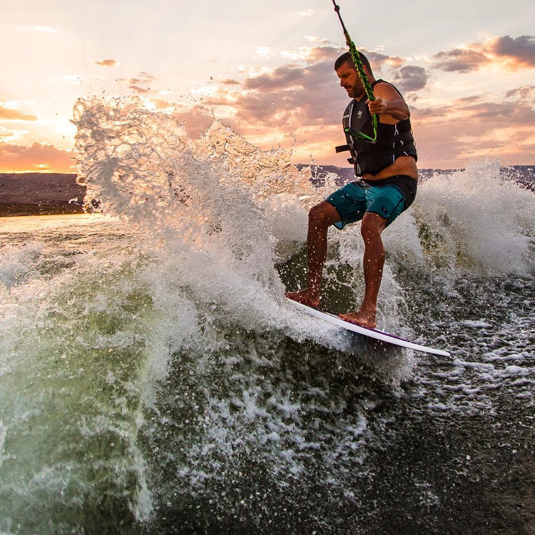 Yet another reason why Lake Powell rules: fiery sunset wakesurfing sessions. I like. A lot. A whole lot. #slasher #ropeisforharderslashes #Mastercraft2016 #LakePowell #ultimatevacationspot