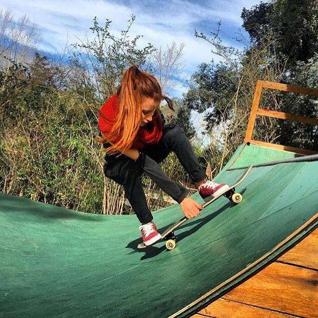 On a ride! @agustinadibenedetto #ComunidadSpiral #Skateboarding #Skatestyle #Skateordie #GoSkate