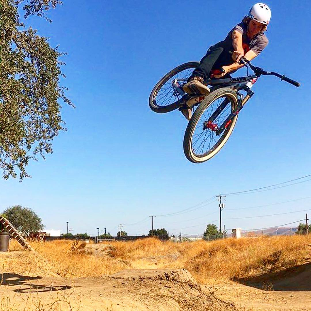 @dirtjumperzac getting in some air-time at the Kali backyard this weekend before school starts up