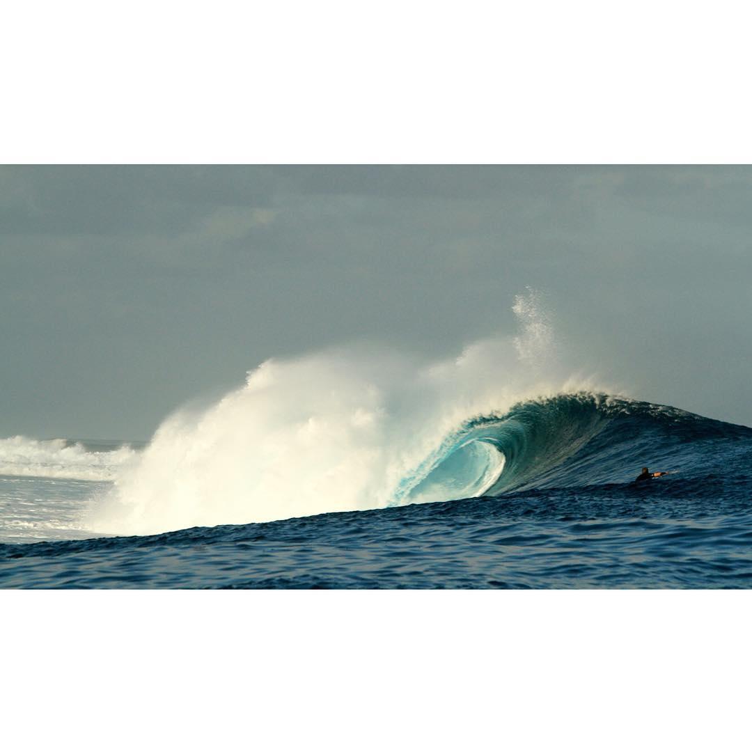 ✨ P E R F E C T I O N ✨ #cloudbreak #whenitsON #surf #ocean #fiji #islandays #katwai #surftrip