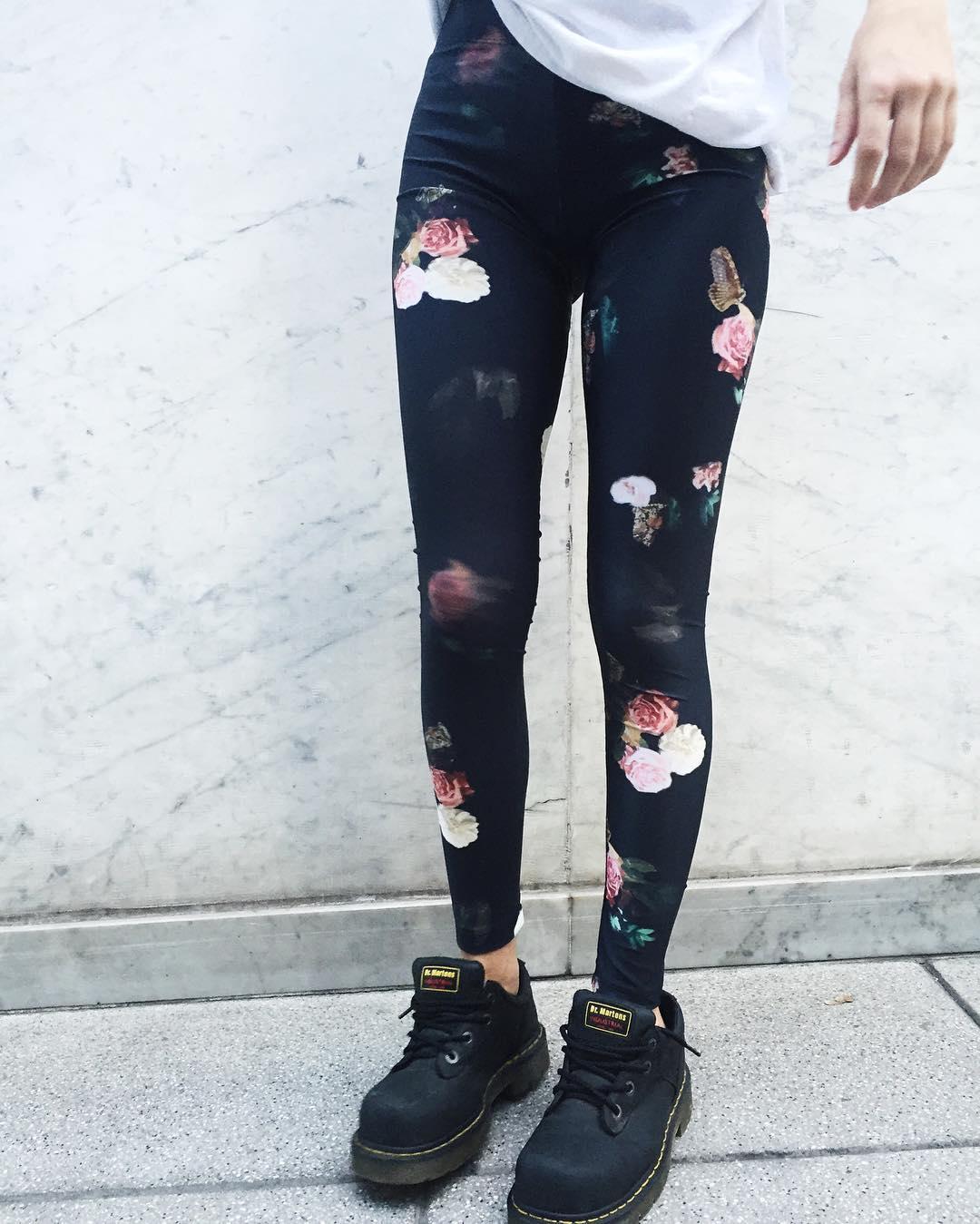 BACK IN STOCK ⚡️ Legging Roses