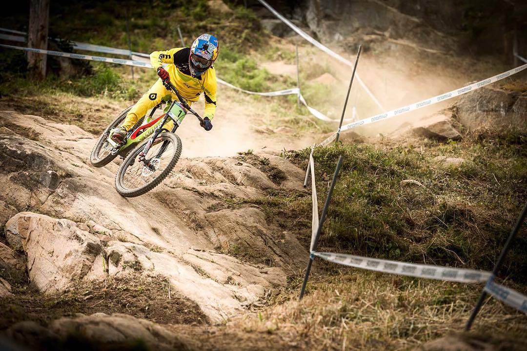 Happy (belated) Birthday to @teamspecializedgravity rider @finniles for yesterday... Throwback shot from #MontSainteAnne Finn railing the rock slabs mid practise. Photo by @davetrumporephoto #SixSixOne #661Protection #ProtectFun #RageKnee