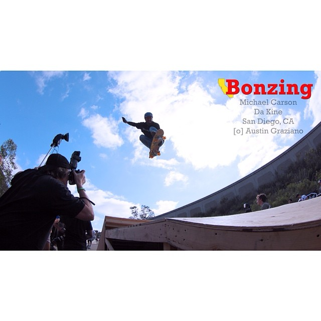Wallpaper Wednesday for May is ready for your pad, pod, phone or computer background.  Download it now by following the link in our bio.  Team rider Michael Carson--@mcarsonlikescats soars through the air!  #bonzing #photography #michaelcarson...
